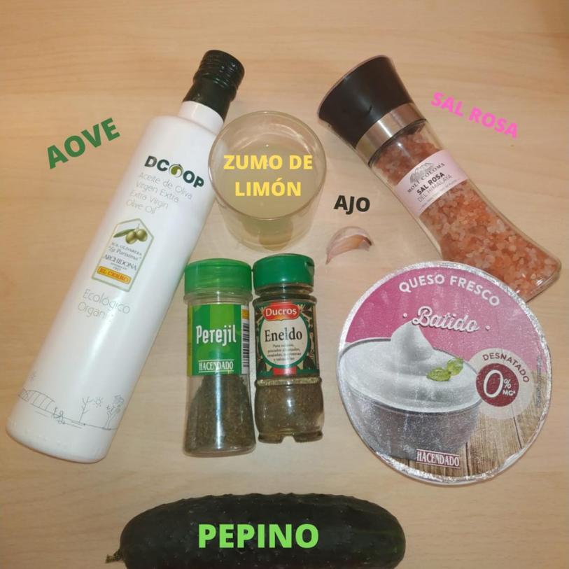 salsa tzatziki ingredientes